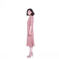 Зүсэлттэй ханцуйтай платье